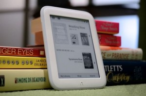 nook-glowlight-vs-kindle-paperwhite