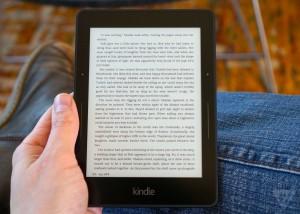 kindle voyage e reader theverge 4 1320.01 300x214 Наистина ли Kindle Voyage е най добрият електронен четец на пазара