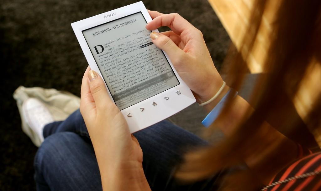 електронна книга електронен четец 1024x611 Електронната книга – мотиватор за четене