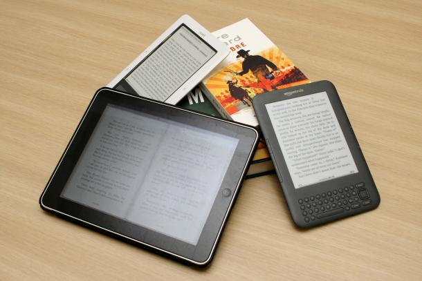 """Kindle vs. Nook vs. iPad """"За"""" и """"против"""" електронните книги"""