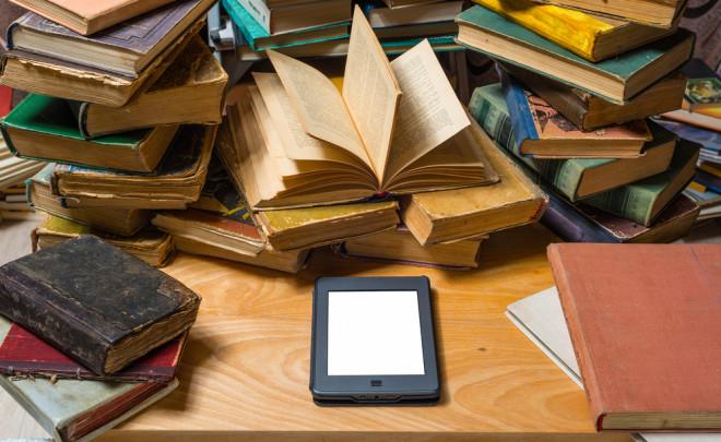 books-and-kindle-електронна-книга-електронен-четец
